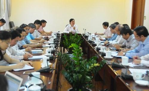 Bộ trưởng Phùng Xuân Nhạ làm việc với BQL dự án ETEP